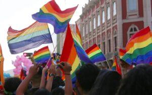 La historia de las asociaciones y ONGS LGBT en España