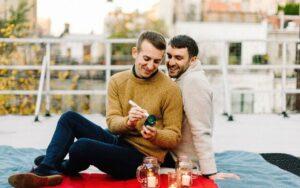 ¿Cómo preparar la mesa para una cena romántica?