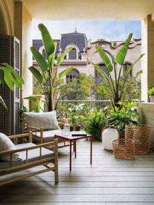 5 ideas para decorar balcones pequeños y crear un jardín secreto