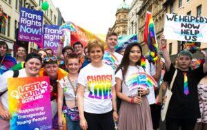 Escocia es el primer país en incluir educación LGBT en las currículas de los colegios
