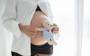 Covid y vacunación: no hay riesgo en el embarazo o periodo de lactancia.