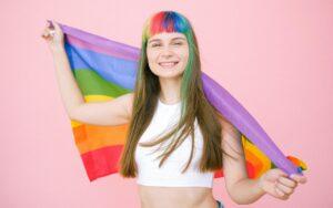 Todo sobre la historia y el significado de la bandera LGBT